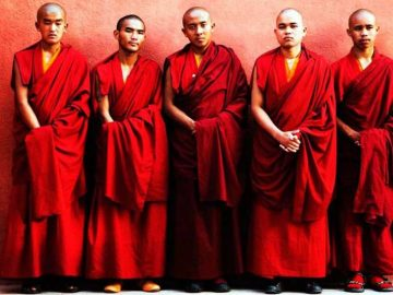 Buddhist-Monks-Clothes